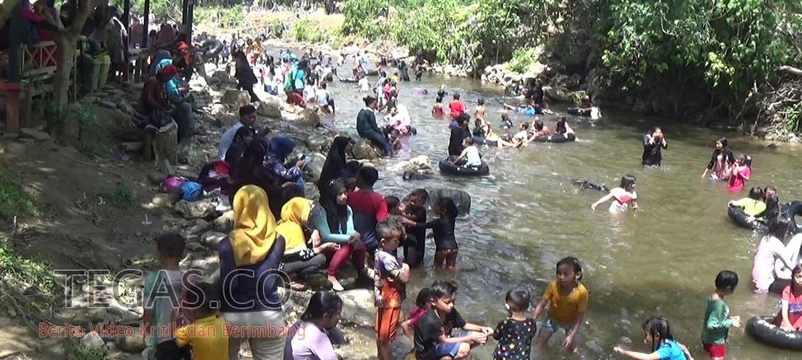 Permandian Air Panas Kolaka Dipadati Pengunjung