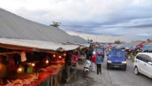 Sejumlah Pedagang di Pasar Panjang Kendari Enggan Direlokasi FOTO : INT