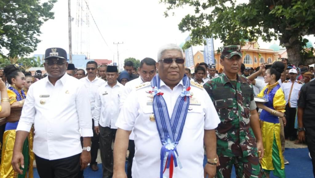 Kunker di Buteng, Gubernur Resmikan Pintu Gerbang dan Gedung Kesenian