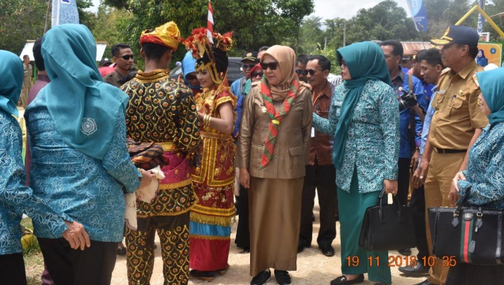 Berita Foto : Tim Penilai Lomba P2WKSS Tingkat Provinsi di Buton