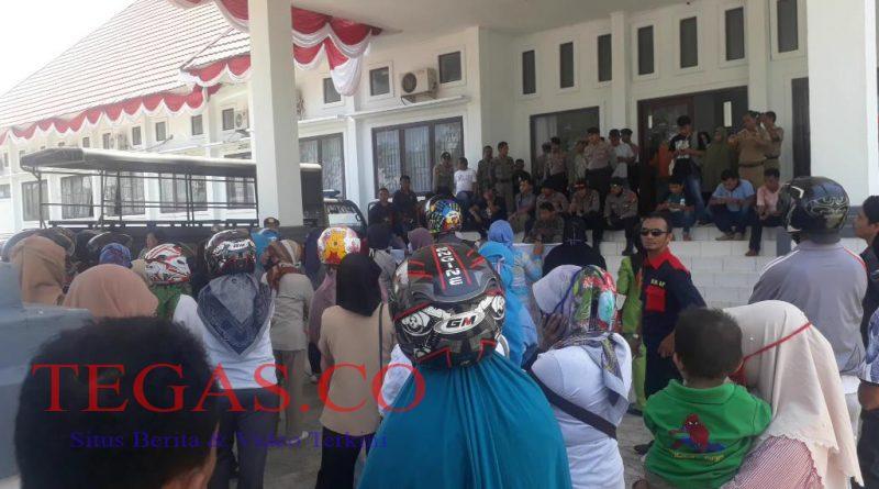 Demo K2 di Muna Minta Pemerintah Pusat Keluarkan Perpu Soal UU ASN