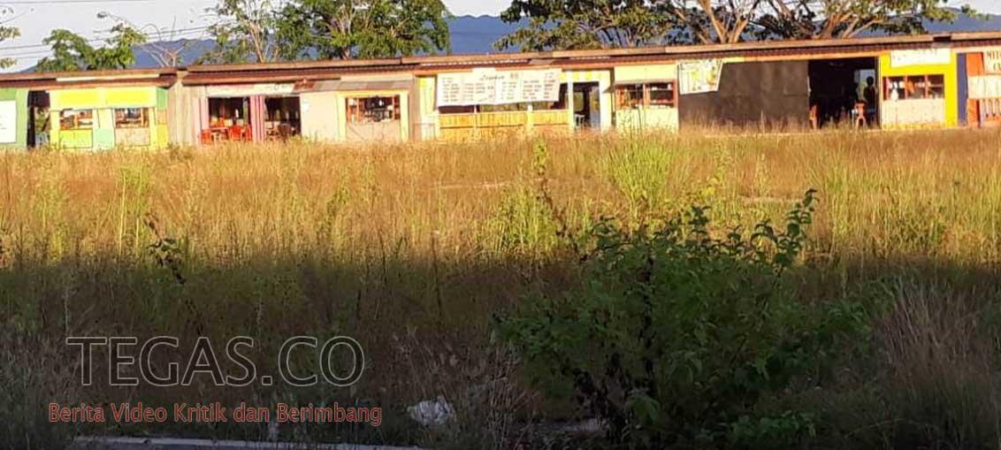 Rumput Liar tak Terurus jadi Hidangan Pengunjung Lapak Kota Raha