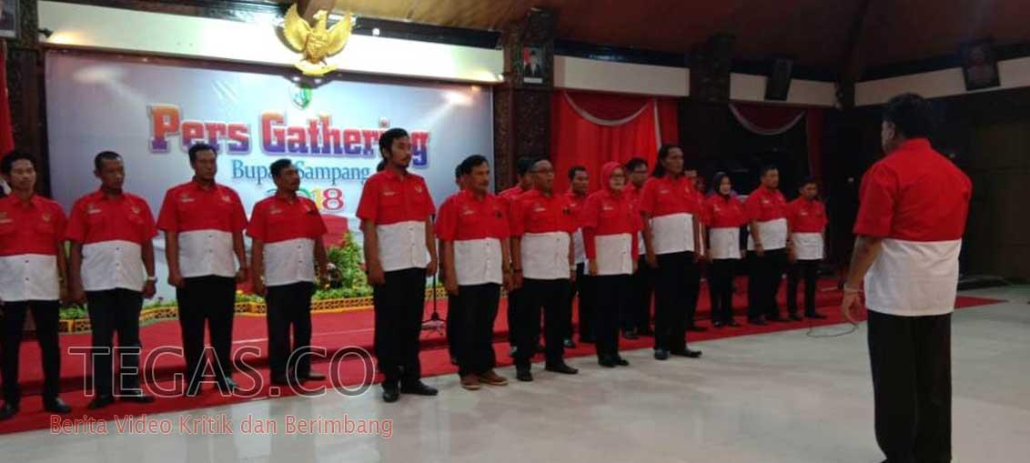 Ketum PWRI Suriyanto Lantik dan Kukuhkan Pengurus DPC PWRI Sampang