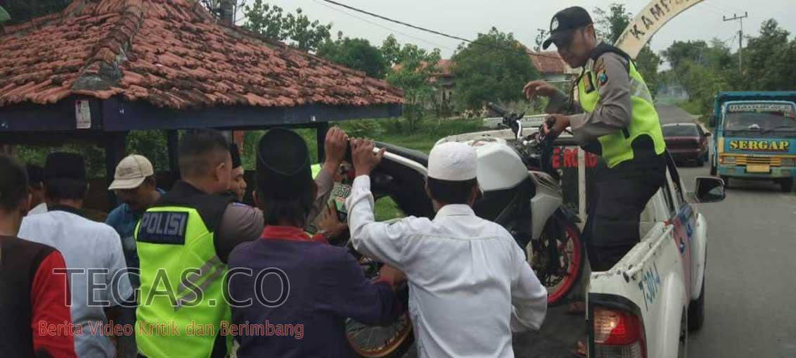 Tabrakan Sepeda Motor VS Mobil Pick Up di Pertigaan Kotem, 1 Orang Patah