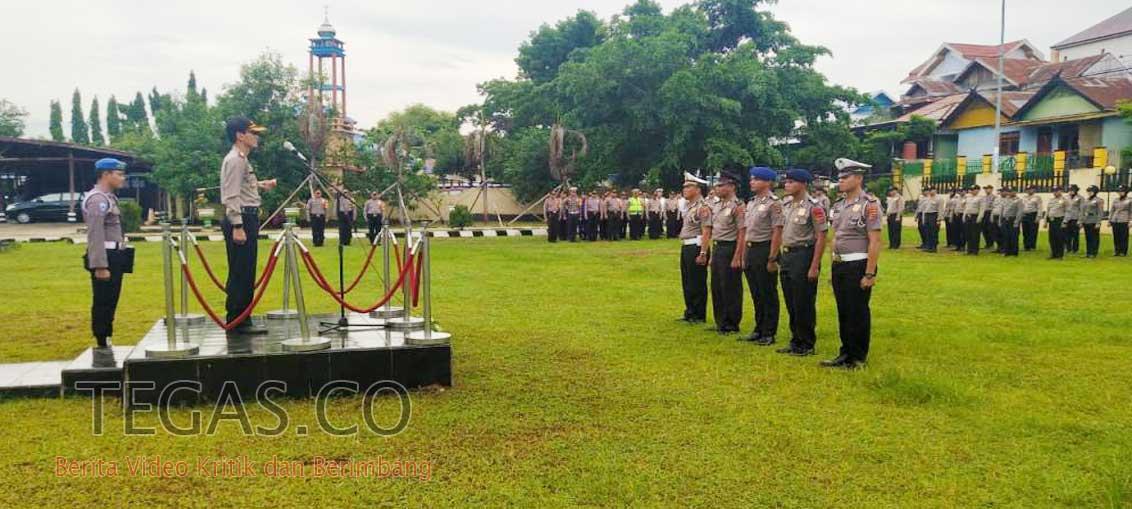 Polres Baubau Gelar Upacara Korps Raport Kenaikan Pangkat 41 Personel