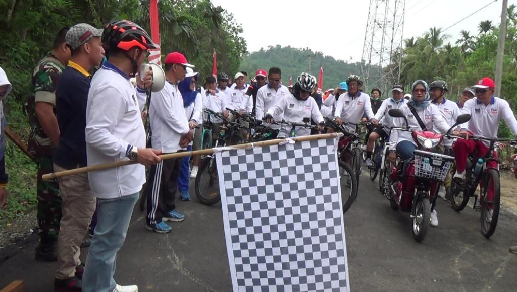Ribuan Pecinta Sepeda Ikuti Fun Bike Jelajah Bumi Latamoro