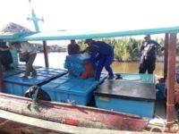 ABKnya yang bersandar dipelabuhan Tangkahan Nelayan Pulosarok, setelah dilumpuhkan Pol air Polres Aceh Singkil. FOTO : MAN