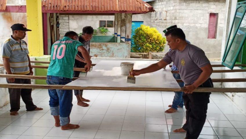 Polsek Bonegunu Bersama HMI Rehabilitasi Masjid Jabal Rahmat