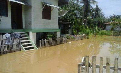 Sungai Langsa Meluap, Ratusan Rumah Terendam Banjir di Desa Selalah Baru Kecamatan Langsa Lama Kota Langsa. FOTO : ROBY SINAGA