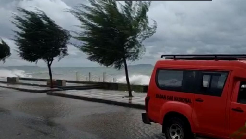 Cuaca Buruk di Perairan Kolaka, Basarnas Kendari Siaga 24 Jam