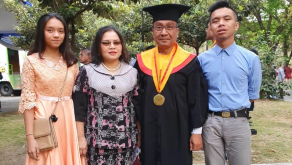 Pamen TNI AL Asal Jepara Raih Magister Hukum UHT