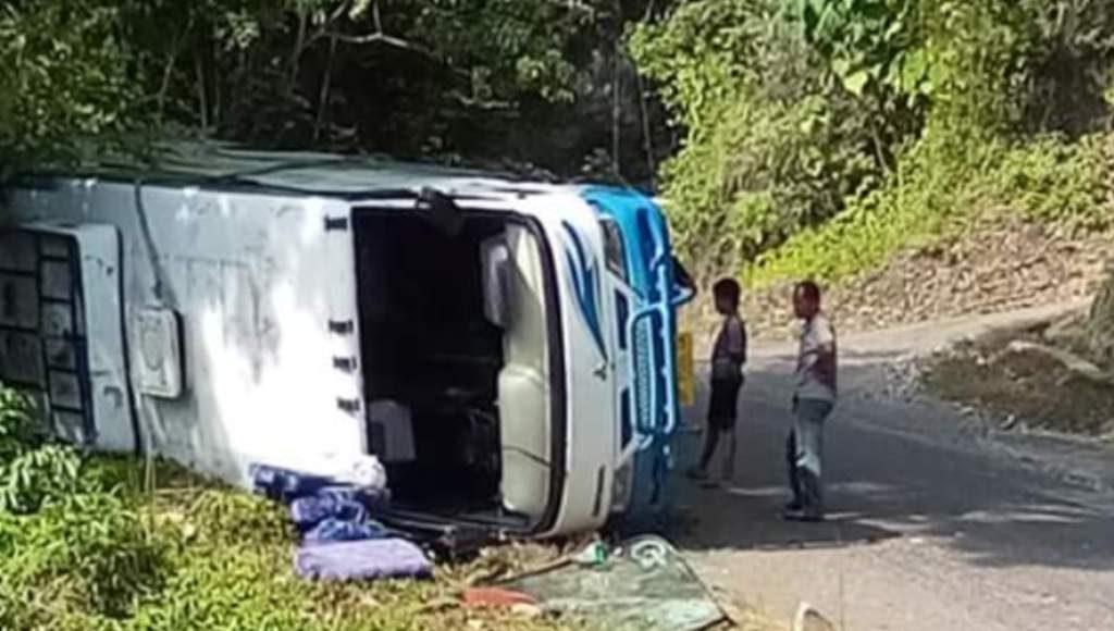 Gas meninggi, Bus jurusan Toraja - Kendari terguling di Kolut