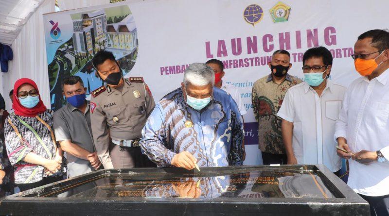 Gubernur Launching Pembangunan Infrastruktur Transportasi Darat di Sultra
