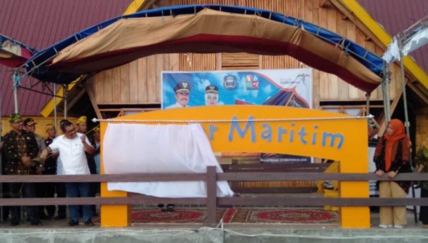 Bupati Wakatobi Arhawi Launching Dapoer Maritim