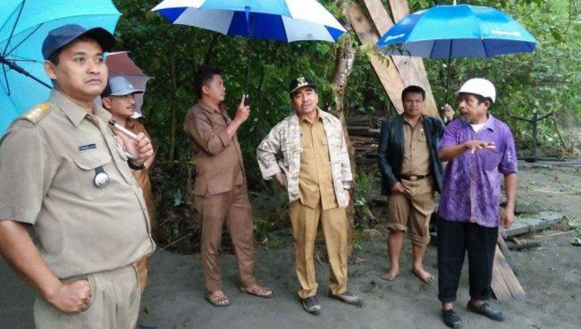Bupati Buton Utara, Janji Segera Perbaiki Jalan Putus di Kambowa