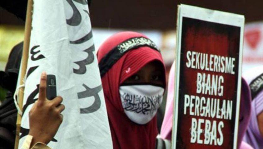 Marak Propaganda Maksiat, Ekses Penerapan Sistem Sekuler Demokrasi