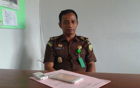 kepala seksi Intel Kejari Andoolo, Konawe selatan Ramadhan SH.. MH