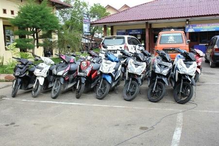 Kendaraan roda dua tanpa dokumen alias Bodong di amankan sat reskrim Poles Kota Langsa. FOTO : ROBY SINAGA