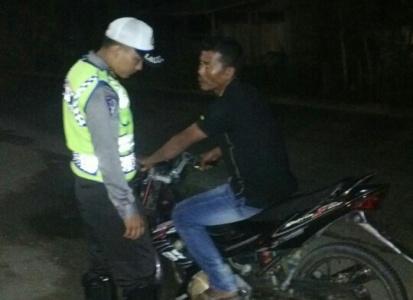 razi yang rutin dilaksanakan jajaran Polres Aceh Timur berhasil mengamankan pengendara yang membawa ganja kering. FOTO : ROBY SINAGA