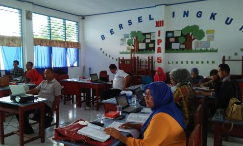Guru-guru SD hingga SMP akan menerima sertifikasi di wilayah Dikbud Kabupaten Buton. FOTO : DOK