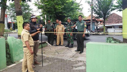pengukuiran aset tanah milik TNI Provbolinggo yang dilakukan oleh pihak BPN Kota Probolinggo. FOTO : AHMAD SUGENG LAKSONO