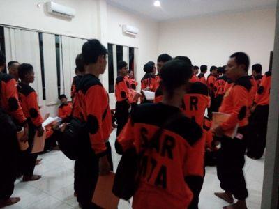 Relawan SAR MTA saat mengikuti pelatihan yang di gelar Kantor Basarnas Surakarta. FOTO : BISMA SURYA KURNIAWAN