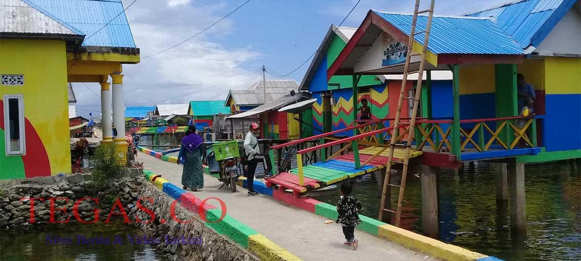 Desa Bajo di Buton Disulap Jadi Kampung Pelangi