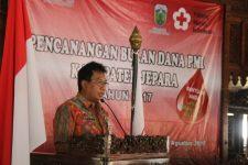 Sekda Kabupaten Jepara Ir M. Sholih saat membacakan sambutan Bupati jepara di acara Bulan PMI. FOTO DSW