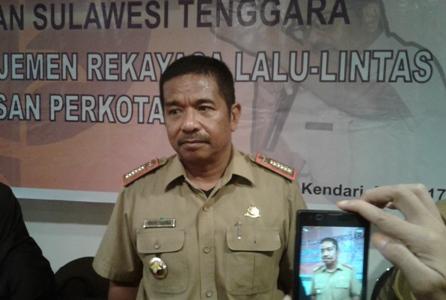 Kepala Dinas perhubungan provinsi Sultra H. Hado Hasina. FOTO : ODEK