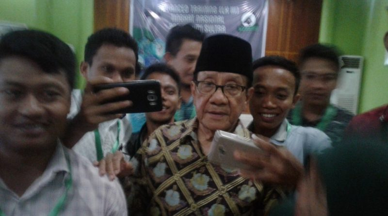 Akbar Tanjung Berikan Materi Advanced Traing LK III di HMI Cabang Kendari