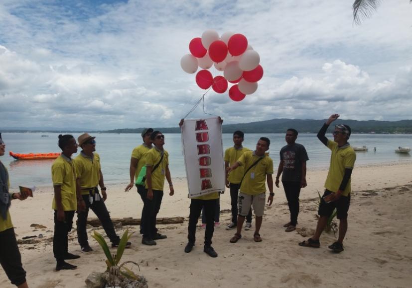 Komunitas penyedia jasa tour guide, Aurora siap memperkenalkan wisata Sulawesi Tenggara (Sultra) dengan melepas balon ke udara di HUT RI ke 72. FOTO : LM FAISAL