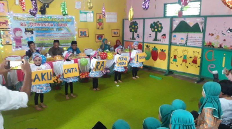 Perpisahan RA. Perwanida 1 Raha Tampilkan Permainan Anak Nusantra