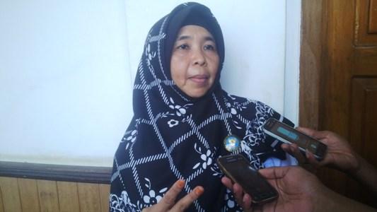 Kepala Badan Narkotika Nasional Kota Kendari Murniati Drahaja M.Ph, Apt, saat memberikan keterangan pers. FOTO : BAIM