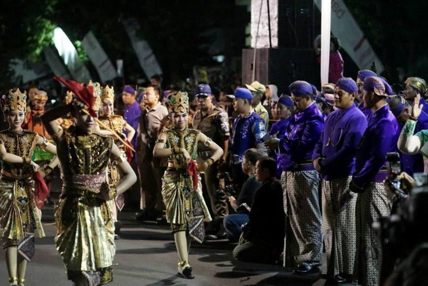 Nite Carnival yang digelar dalam rangka memeriahkan HUT Kediri tahun 2017. FOTO : WAHYU NUR YAHYA