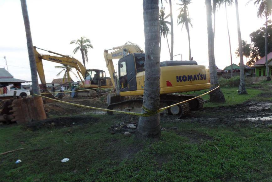 Lokasi tewasnya salah satu warga Desa tanpabulu Kabupaten bombana di berikan garis Polisi. FOTO ; SUDIRMAN