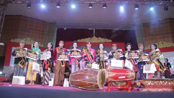 Adhi Satria dan Sekar Mentari Terpilih Duta Wisata Jateng 2017