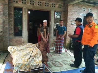 Jasad Sari Uzaki (33), nelayan asal Desa Kedung Malang-Kedung yang dikabarkan tenggelam Sabtu (29/4/2017) lalu telah diketemukan. FOTO : DSW