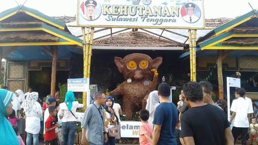 Stand milik Dinas Provinsi Sulawesi Tenggara yang banyak di kunjungi pengunjung Halo Sultra. FOTO : FA