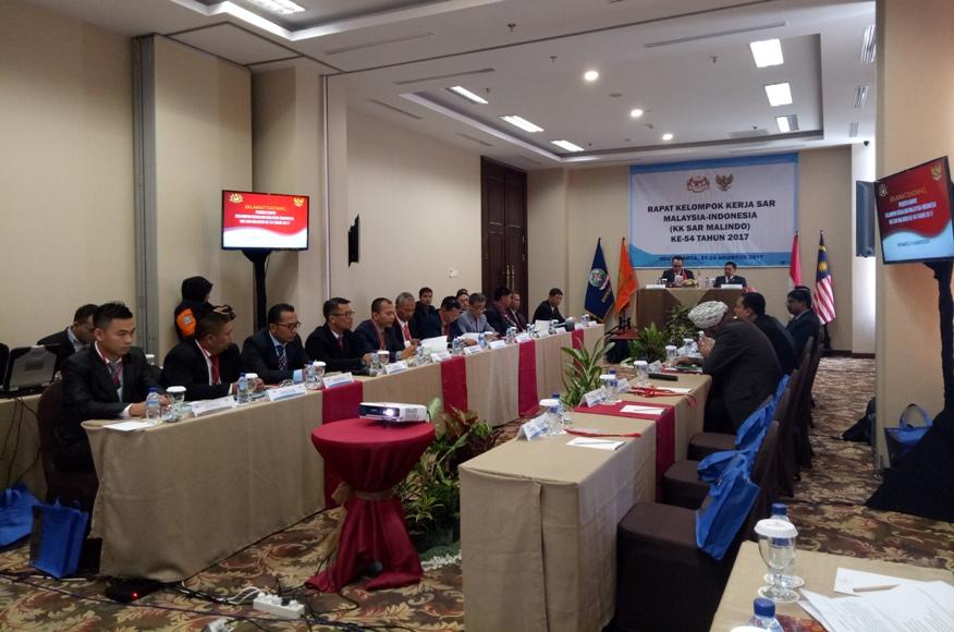 Dalam rangka meningkatkan kualitas kinerja Search And Rescue (SAR), pemerintah Malaysia dan Indonesia menggelar rapat Kelompok Kerja SAR Malaysia-Indonesia (Malindo) ke-54. FOTO : NADHIR ATTAMIMI