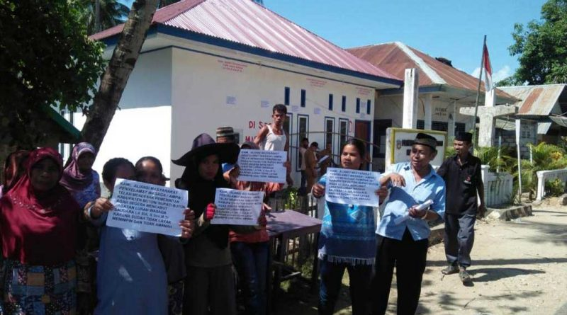 BUTON, SULTRA - Puluhan warga yang mengatasnamakan Aliansi Masyarakat Penyelamat Wasaga (AMPW) meminta Bupati Buton