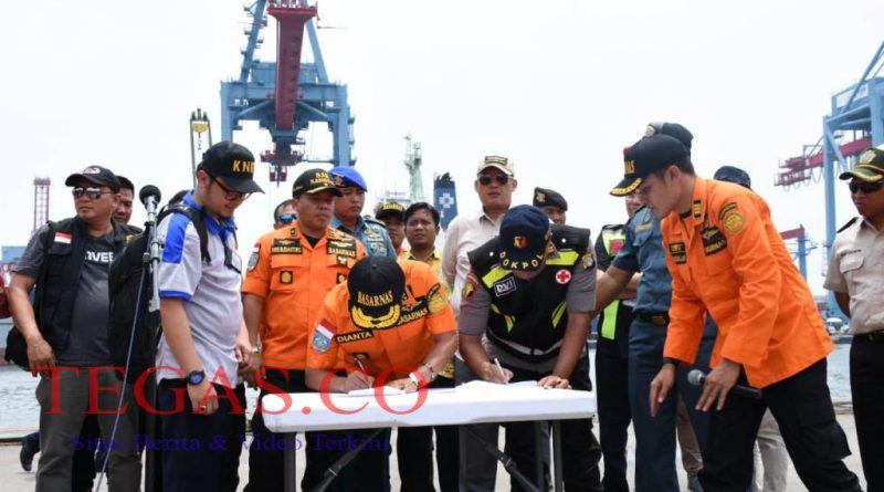 Basarnas Serahkan Puing Pesawat Lion Air JT-610 ke KNKT