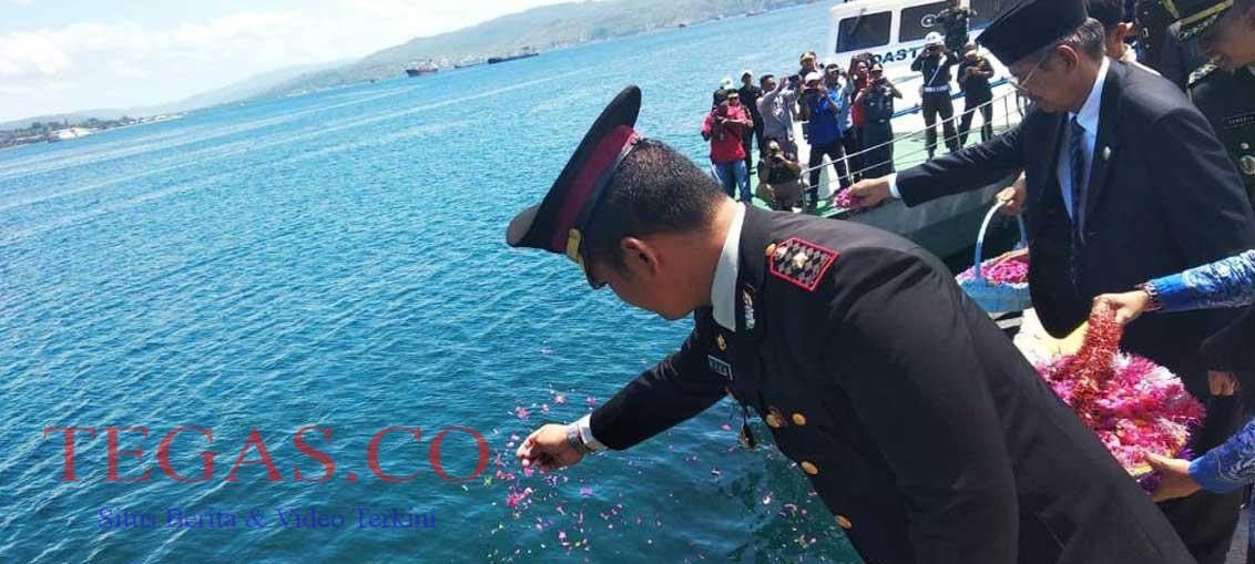 Hari Pahlawan, Wakapolres Baubau Tabur Bunga Bersama Forkopimda