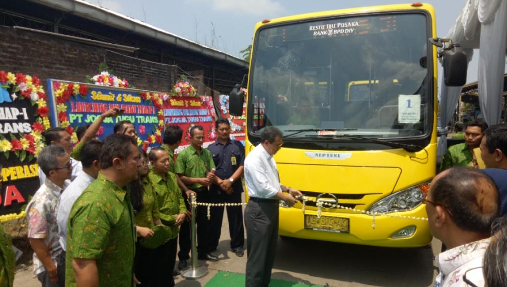 Jogja Tugu Trans Launching 15 Unit Bus Trans Jogja Baru