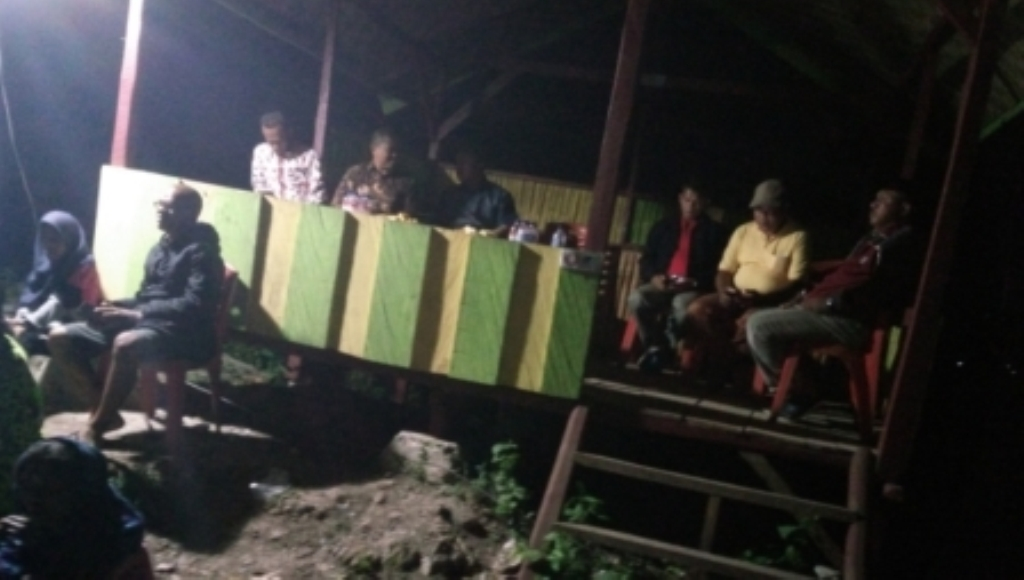 Wartawan Bersama TNI dan Pemda Muna Gelar Nobar di Wakila