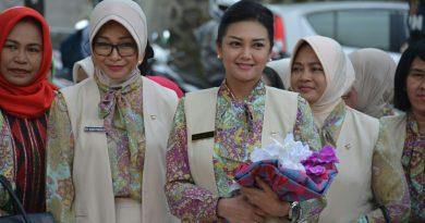 Istri Pangdam XIV/Hasanuddin Kunker di Yayasan Kartika Jaya, Disambut Tarian Mondotambe