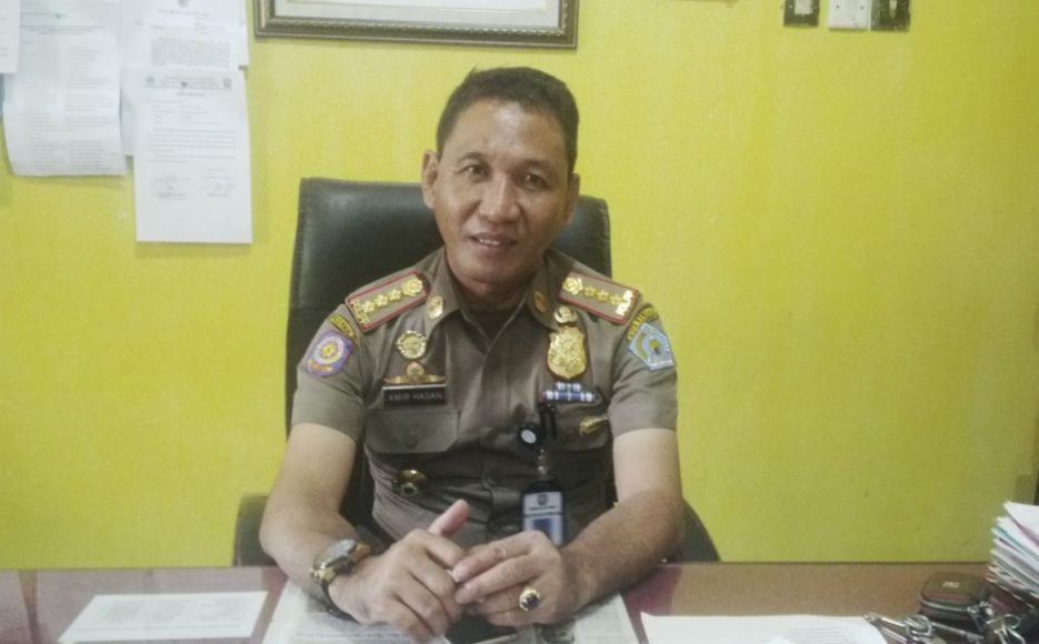 Kepala satpol PP Kota Kendari Amir Hasan. FOTO : BAIM