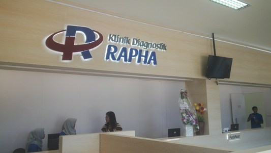 klinik diagnostik Rapha Jalan Malaka, Andonohu, telah di resmikan oleh Wali kota Kendari H Asrun. FOTO : BAIM