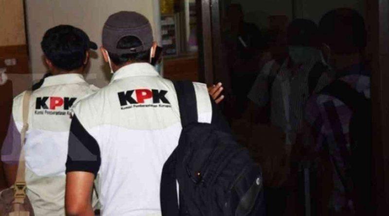 Usai Buka Puasa, 10 Pejabat Busel Diamankan Tim KPK Karena OTT