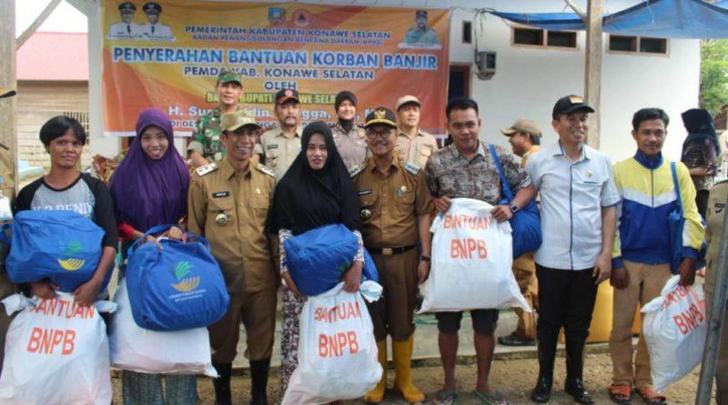 Pemda Konsel Salurkan Bantuan Terdampak Banjir 60 KK di Desa Laikandonga