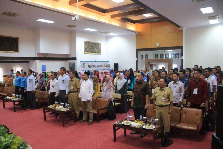 Lembaga Zakat Infaq dan Sodaqoh (LAZIS) PT. PLN (Persero) Area Yogyakarta melatih 100 Guru Honorer yang berasal dari daerah-daerah terpencil berpenghasilan rendah di DI Yogyakarta. FOTO : NADHIR ATTAMIMI